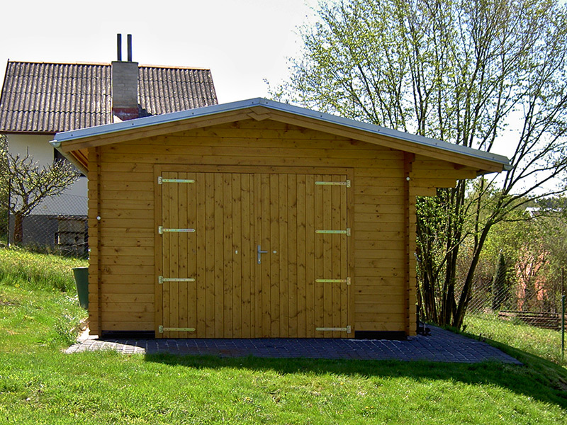 drevena garaz