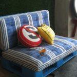 Vyrobte si zahradní nábytek z palet svépomocí
